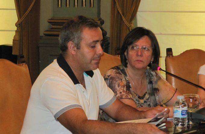 Nacho Díaz y Victoria Delicado en el Pleno