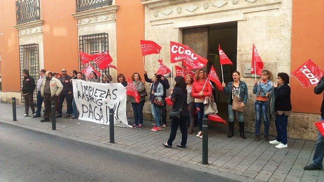 El 100% de las limpiadoras de la residencia del Paseo de la Cuba en Albacete, en huelga el mes de febrero de 2014.