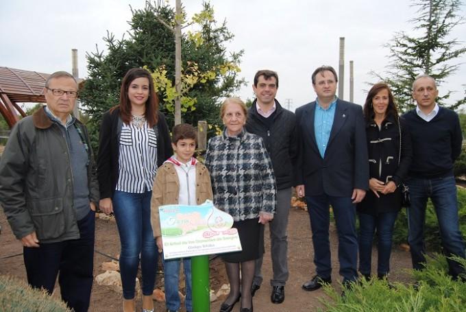 Foto. Plantación árbol Hermandad Donantes de Sangre de Albacete (1)