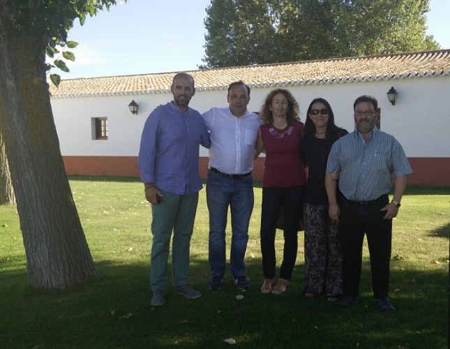 En la fotografía aparecen Anselmo Avendaño (Responsable de Organización de UPyD en España, Marta Martínez, Paula Martínez, Francisco Cañadas y Ricardo Argudo, nuevo Coordinador Territorial.