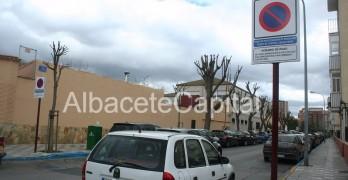 Piden reserva de plazas de zona azul junto a los hospitales de Albacete para las afectadas de cáncer
