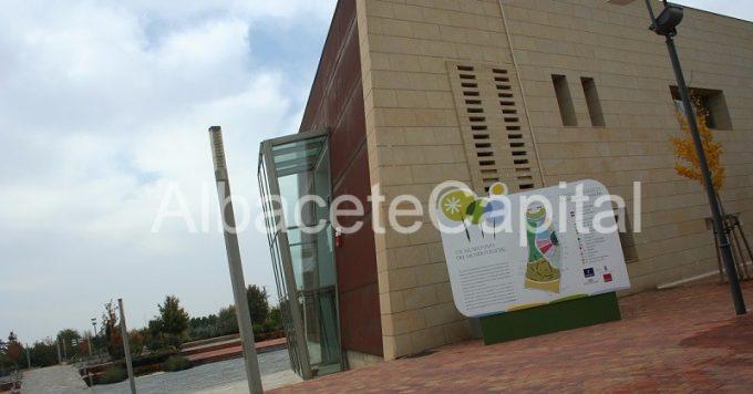 La fava pide ampliar el horario de visitas del jard n for Jardin botanico albacete