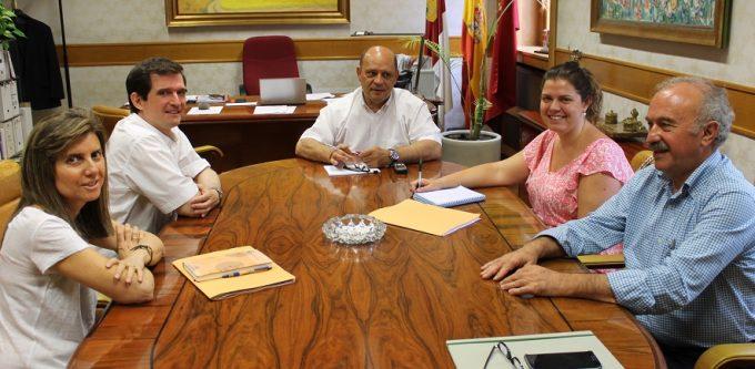 La diputaci n se re ne con miembros del colegio de - Arquitectos albacete ...