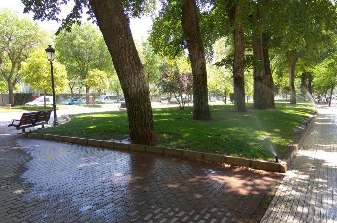 Ganemos pide control sobre los aspersores de parques para for Aspersores de agua para jardin