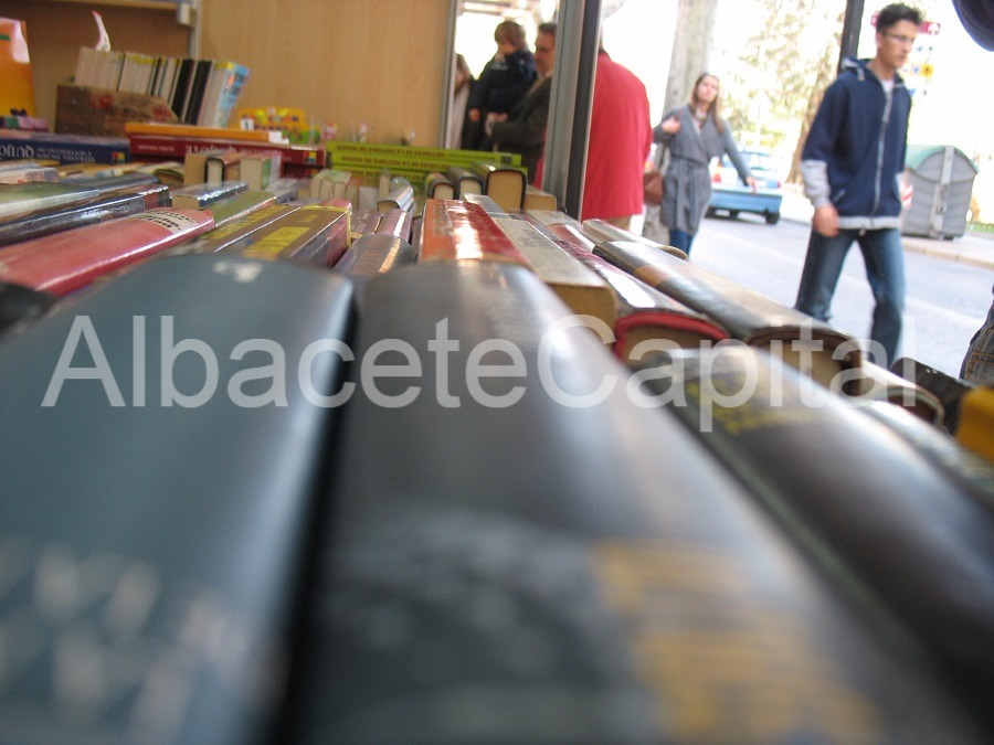 Lectura para recibir la primavera en Albacete