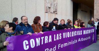 Red Feminista visibiliza sus protestas en la Plaza del Altozano