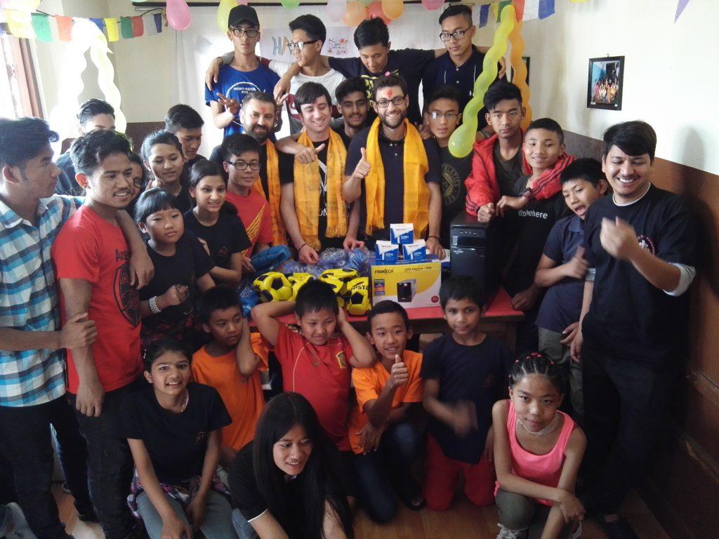 Los chicos de Quijote Team vuelven de su aventura solidaria en Nepal