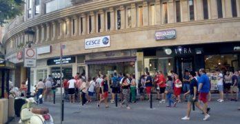 Largas colas en la apertura de la nueva tienda del Albacete Balompié