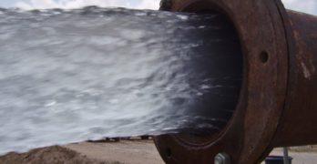 Castilla-La Mancha frena el bombeo de agua a Murcia autorizado por el gobierno de Rajoy