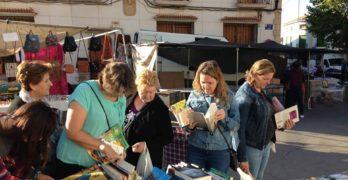 Mercadillo de libros para renovar la colección de la biblioteca de Villamalea